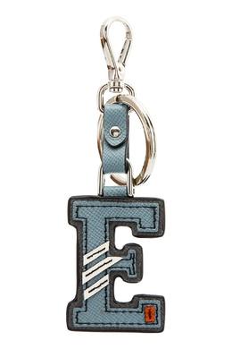 Серый брелок с буквой E Prada 4080601