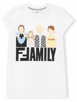 Fendi Kids - футболка с принтом 'Family' 9583AJ93586930000000