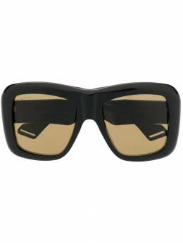 Gucci Eyewear массивные солнцезащитные очки GG0498S