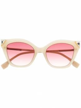Fendi Eyewear солнцезащитные очки в оправе 'кошачий глаз' с отделкой FF0357GS