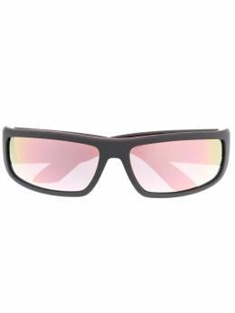 Prada Eyewear солнцезащитные очки в прямоугольной оправе SPS02US3535L2