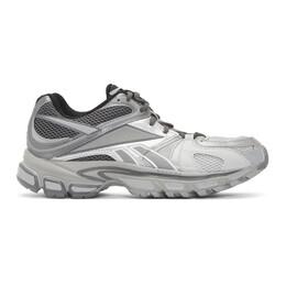 Vetements White Reebok Edition Runner 200 Sneakers 192669F12800207GB
