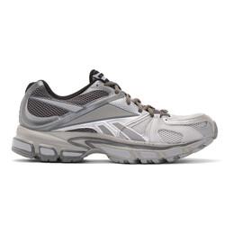 Vetements Grey Reebok Edition Spike Runner 200 Sneakers 192669M23700404GB