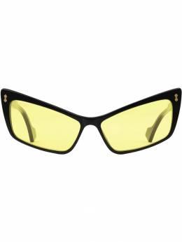 Gucci Eyewear солнцезащитные очки в оправе 'кошачий глаз' 596034J0740
