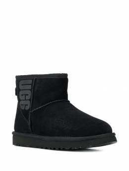 Ugg Australia - logo print ankle boots CLMUGRLBK9968039W955