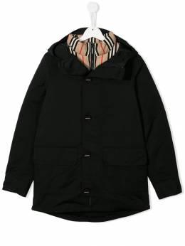 Burberry Kids - пальто-пуховик с капюшоном 33889553655300000000