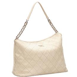 Chanel White Matelasse Leather Shoulder Bag 239494