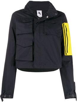 Off-White куртка со съемным карманом и капюшоном из коллаборации с Nike OWVL001G19FAB0011065